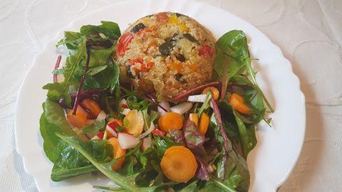 Rukkolás spenótos quinoa