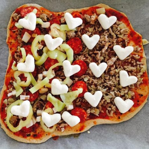 kolbaszos-bolognai-pizza-2