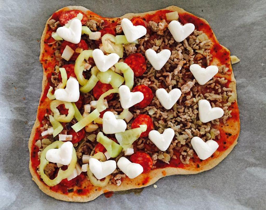 kolbaszos-bolognai-pizza
