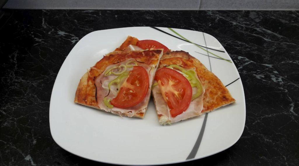 hamis-pizza